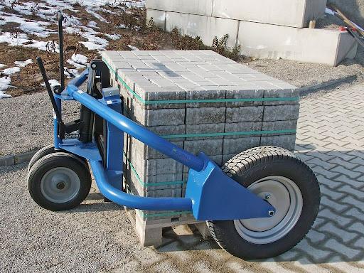 Транспортування тротуарної плитки
